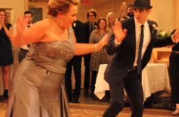 У гостей пропал дар речи! Танец мамы и сына! Просто здорово!