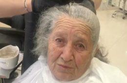 Она сделала макияж своей бабушке, благодаря которому ее бабушка покоряет Интернет. ВИДЕО