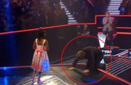 Ей всего 6 лет. Почему судьи упали перед ней на колени? Видео