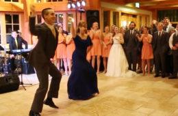 Видео: Гости не могли сдержать эмоций, когда жених начал танцевать с мамой этот танец!
